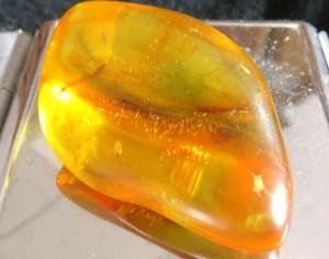 Κεχριμπάρι πέτρα 15 g - 45 euro